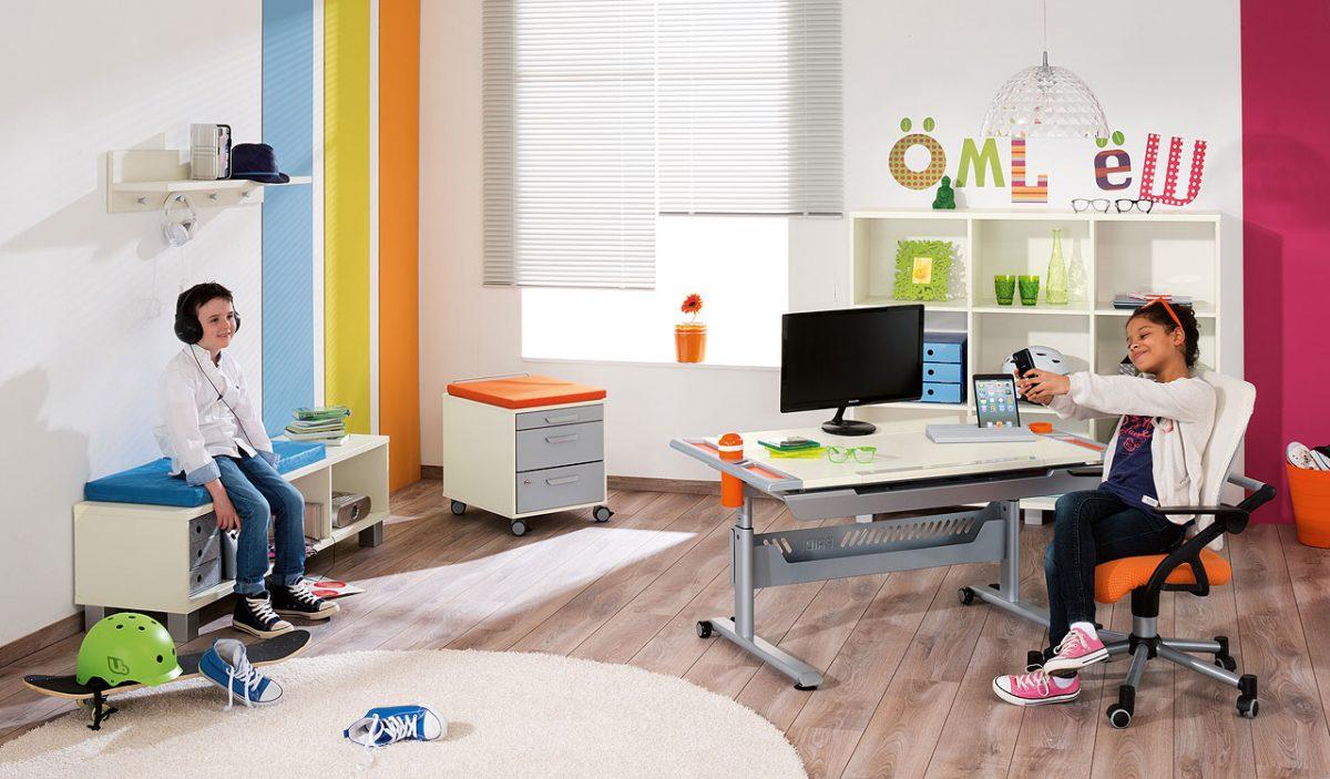 Ab Wann Ihr Kind Einen Eigenen Schreibtisch Braucht Paidis World